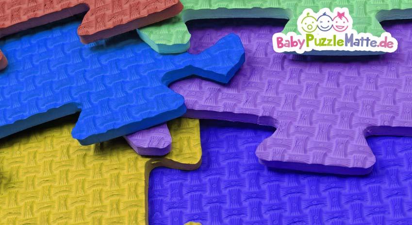 Bunte Teile einer Puzzlematte Moosgummi